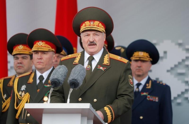 Belarus president dismisses government - Belta news agency
