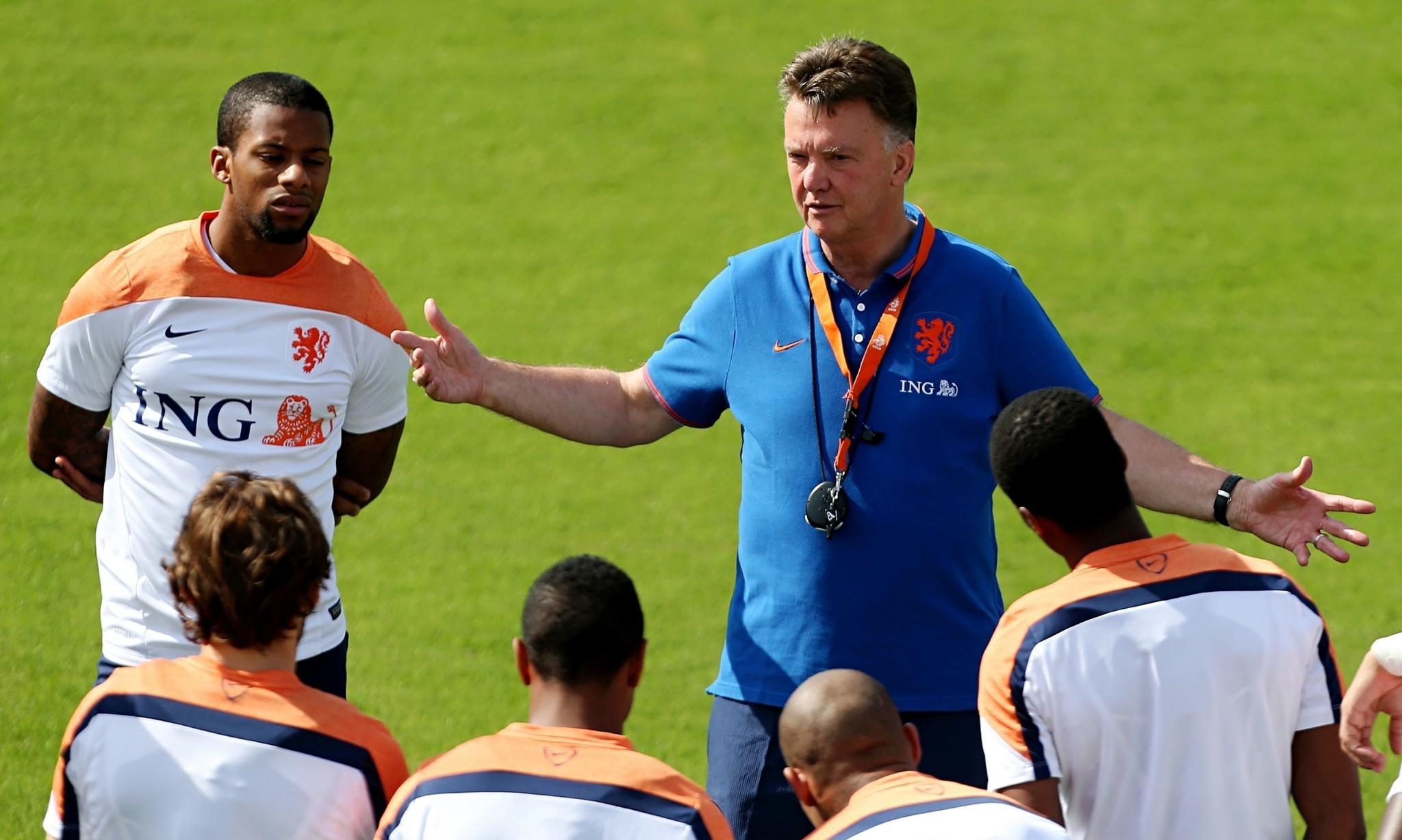World Cup 2014: Louis van Gaal unites Holland by putting winning first