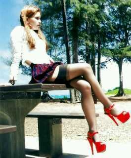 Red shoes no nickers