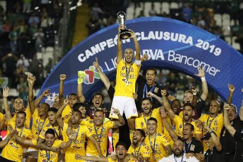 Tigres anula a León y alza un título más en México
