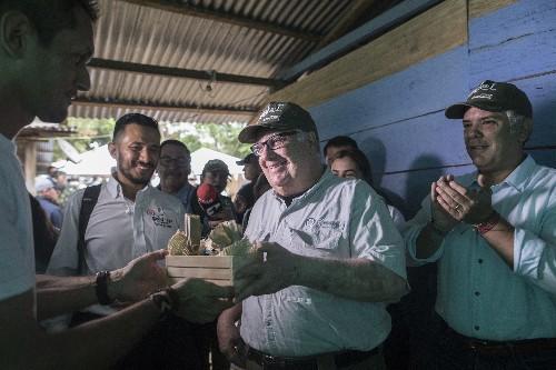 Warren Buffett's son helps Colombia kick cocaine curse