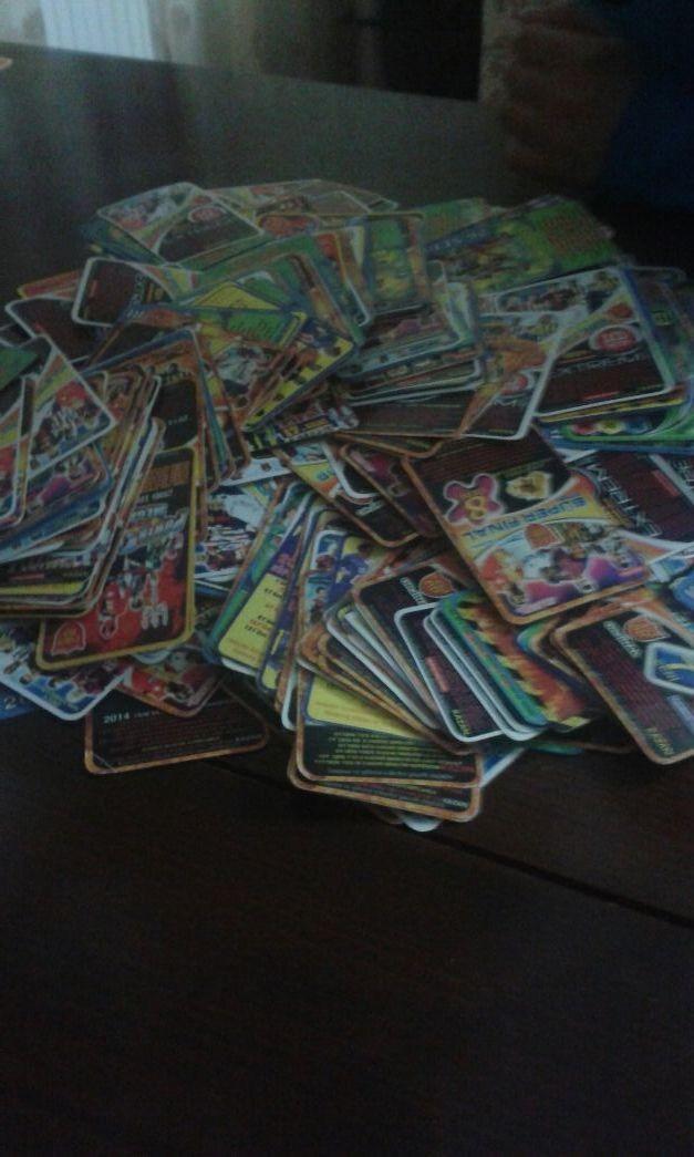 kartlar nasıl birikmiş ama teyyy♡♥