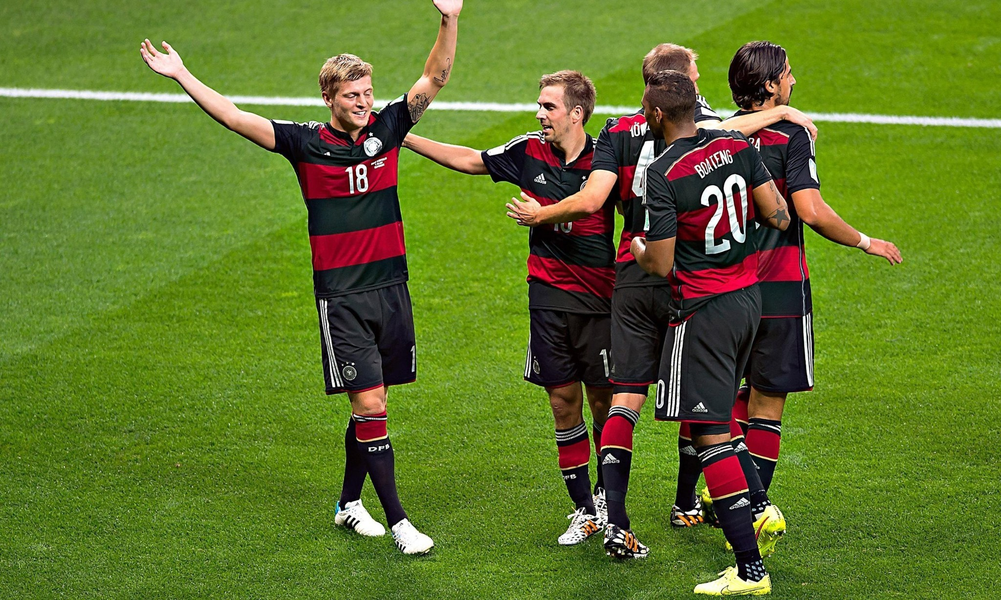 World Cup records tumble as Germany destroy Brazil 7-1