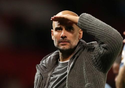 Manchester City vence 2-0 al United y da un gran paso hacia el título en la Liga Premier