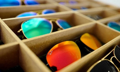 EssilorLuxottica shareholder body propose independent director to ease deadlock