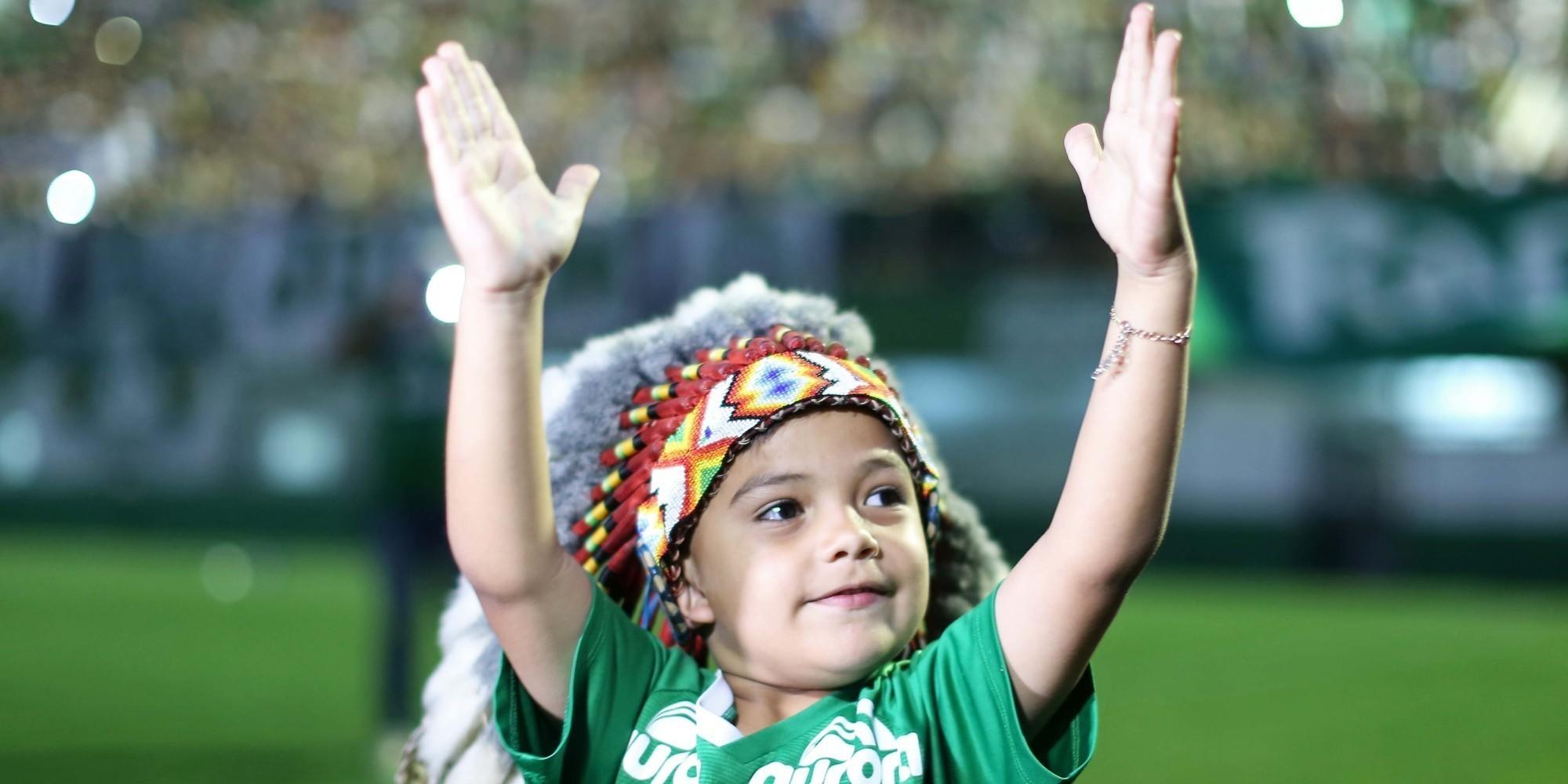 Chapecoense vai velar atletas no estádio. E o Atlético Nacional promete usar uniforme da Chape