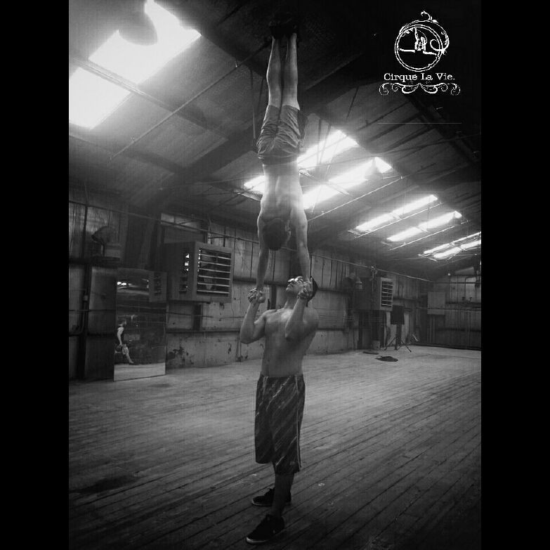This move is called Mid-Hand to Hand. On a scale of 1-10 how hard do you think this move is? And what exercises or skills should someone develop to attempt and achieve such move? Comment below.
