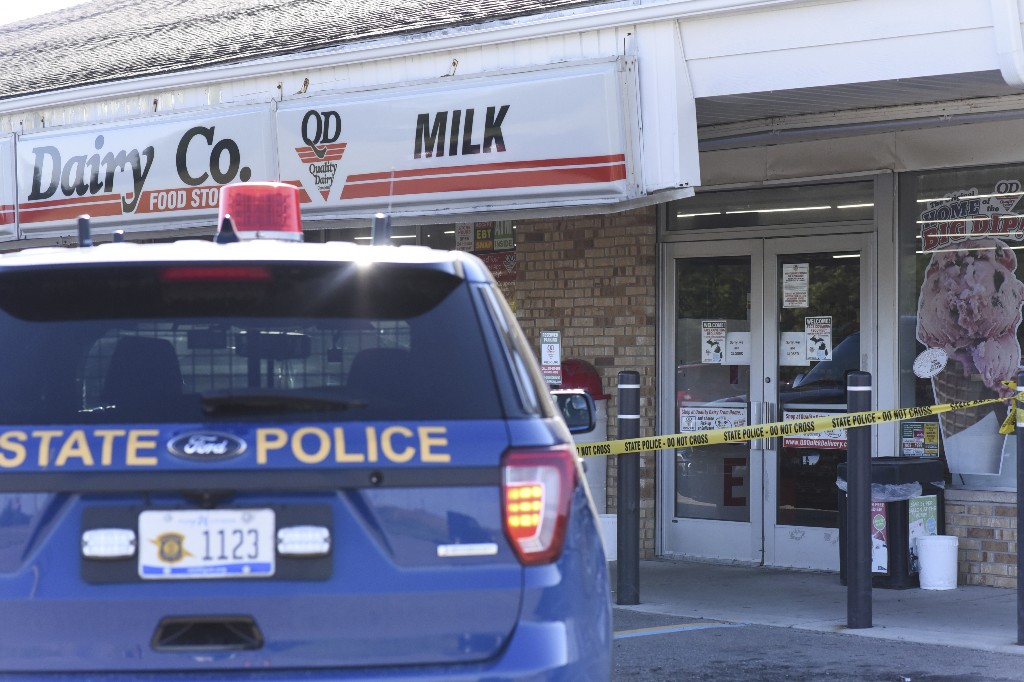 Man killed by police after mask dispute at Michigan store
