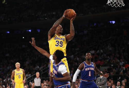 Davis, LeBron lead Lakers past Knicks
