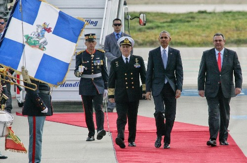 Obama's Farewell Tour Begins in Greece: Pictures