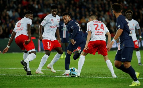 Soccer: PSG suffer rare home defeat against Reims