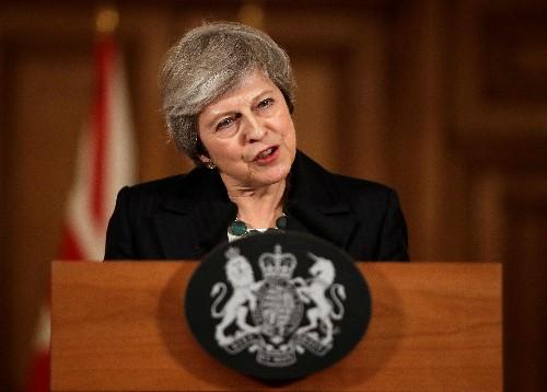 Primera ministra británica dice que luchará por su acuerdo de Brexit y seguirá adelante