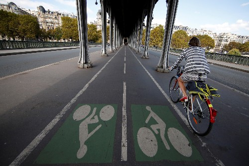 Paris region to boost cycle commuting with bike parks and e-bikes