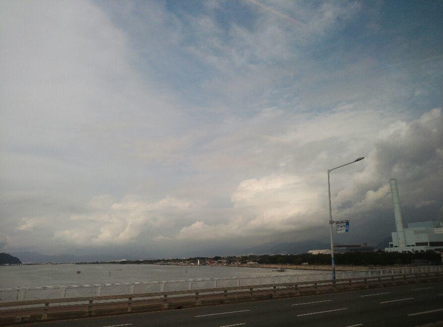 부산 하늘.. 참 날이 덥소