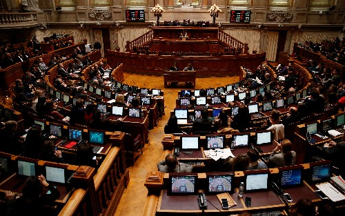 Pro-euthanasia bills get green light in Portugal, negotiations ahead