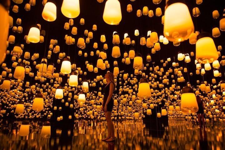 Une forêt de mille lampes intelligentes à Maison & Objet - VICE
