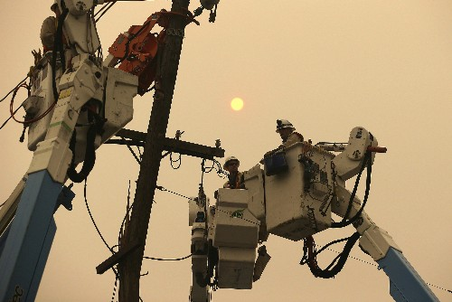 The Latest: Edison increase estimate of possible power cuts