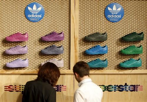 Robots alemanes confeccionarán primeras zapatillas de Adidas en 2016