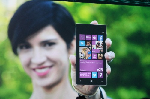 Microsoft still isn't giving up on putting Windows on phones