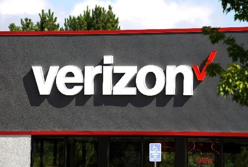 Verizon deepens ties with Apple, offers free Apple Music to some U.S. customers