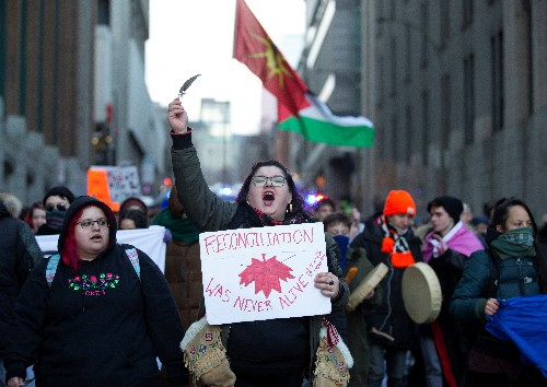 Canada hit by new rail, road barricades following arrests of indigenous protesters