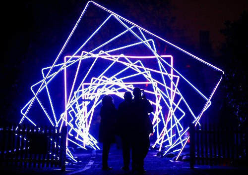 Holiday Light Shows in London: Pictures