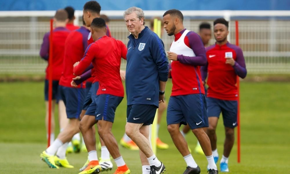 Greg Dyke: England reaching last eight could seal new deal for Roy Hodgson