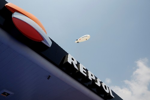 Repsol makes loss as oil, gas prices fall, climate charge bites