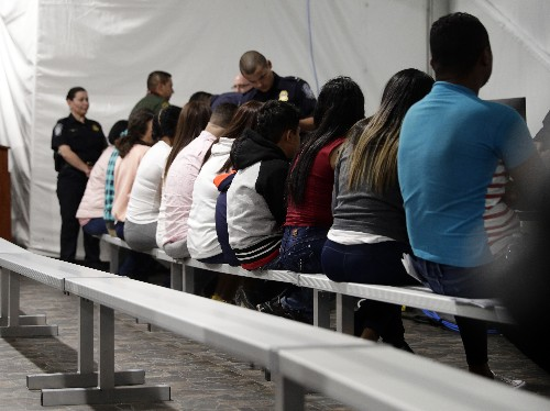 Migrants say they face danger before court in Texas tents