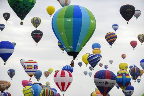 Hot Air Balloon World Record in France: Pictures