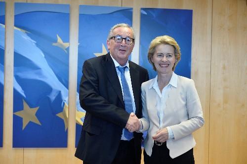 EU's Juncker cuts holiday short for urgent surgery: statement