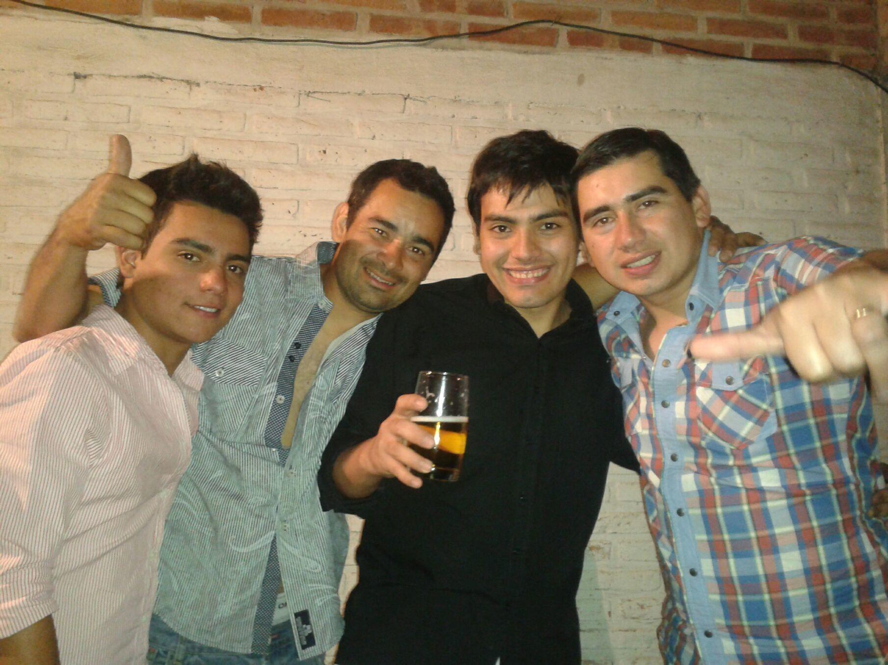 MOLESTOS..... Alfredo Daniel Y Sebas