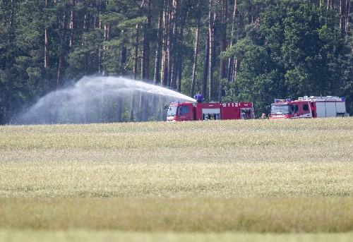 1 pilot dies, 1 survives after German fighter jets collide