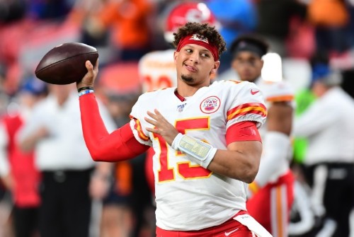 Chiefs QB Mahomes (knee) to miss limited time