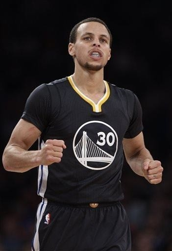 2 years after snub, Curry is All-Star man of the moment