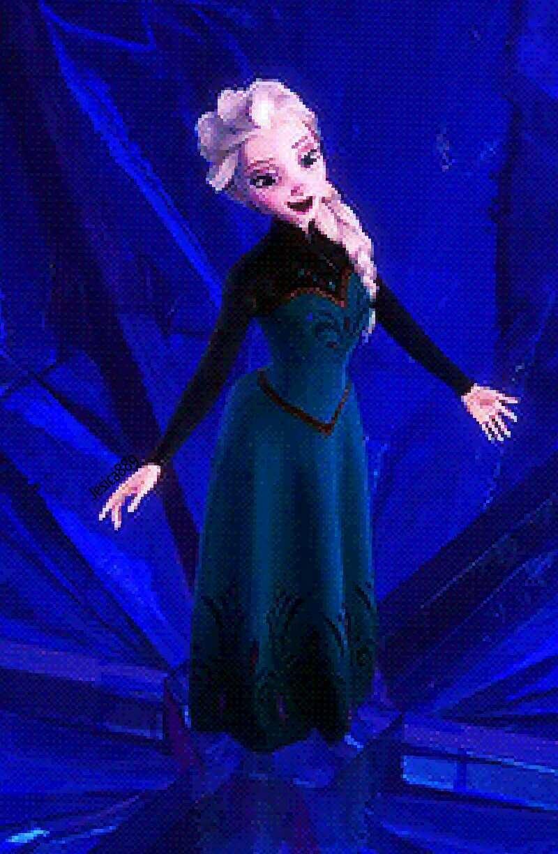 De los pies de Elsa sale hielo y a base de hielo construye su castillo helado