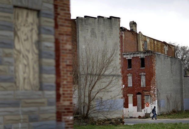 Are Poor Neighborhoods Worse for Boys Than Girls?