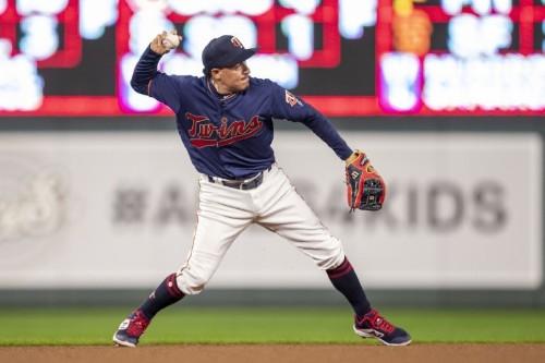 MLB roundup: Twins make homer history in wild win