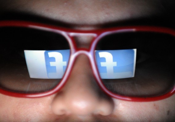 Facebook tests an automatic 'reactivate' button