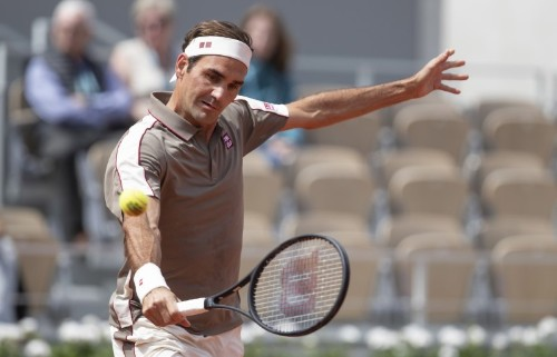 Tennis: Federer graces new-look Roland Garros with sylish opening win
