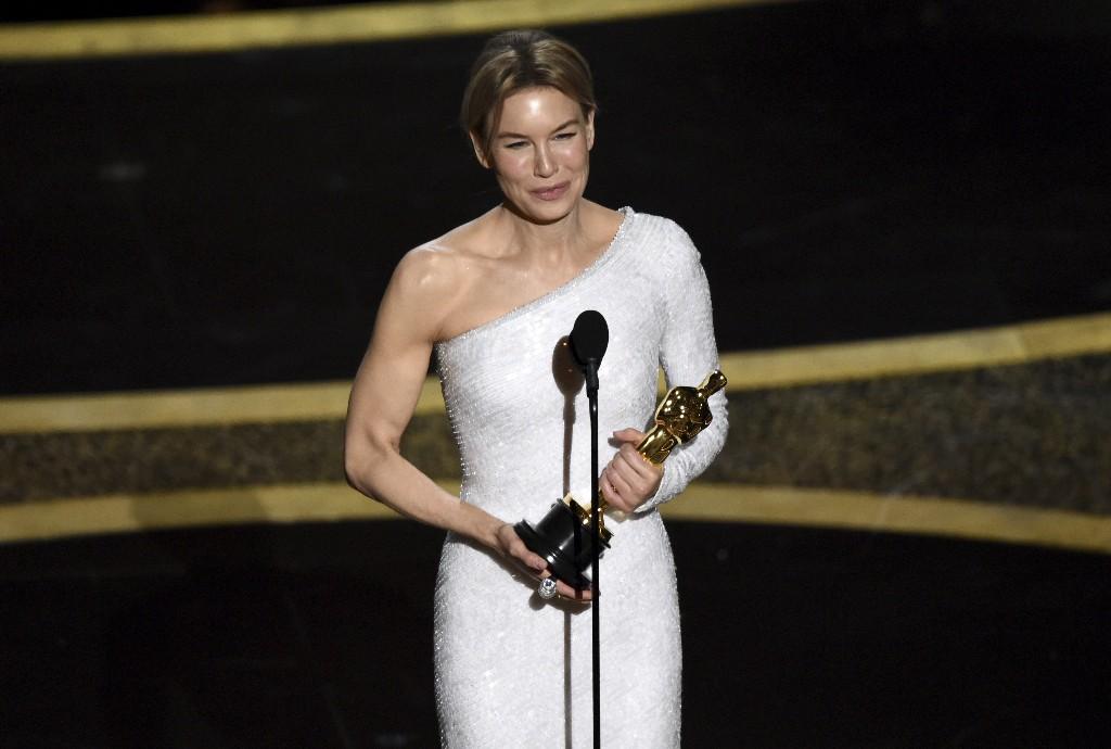 The Latest: Renée Zellweger wins best actress Academy Award