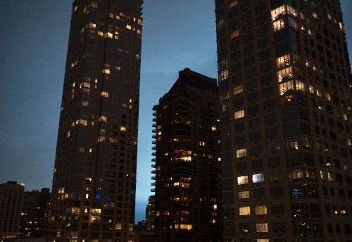 NYC utility probes electric flash that lit sky in eerie blue