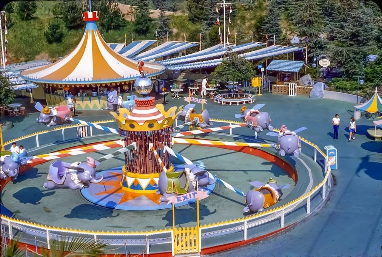 Daily Vintage Disneyland: Dumbo at Disneyland's Fantasyland in 1959 #disney #disneyland #fantasyland #dumbo