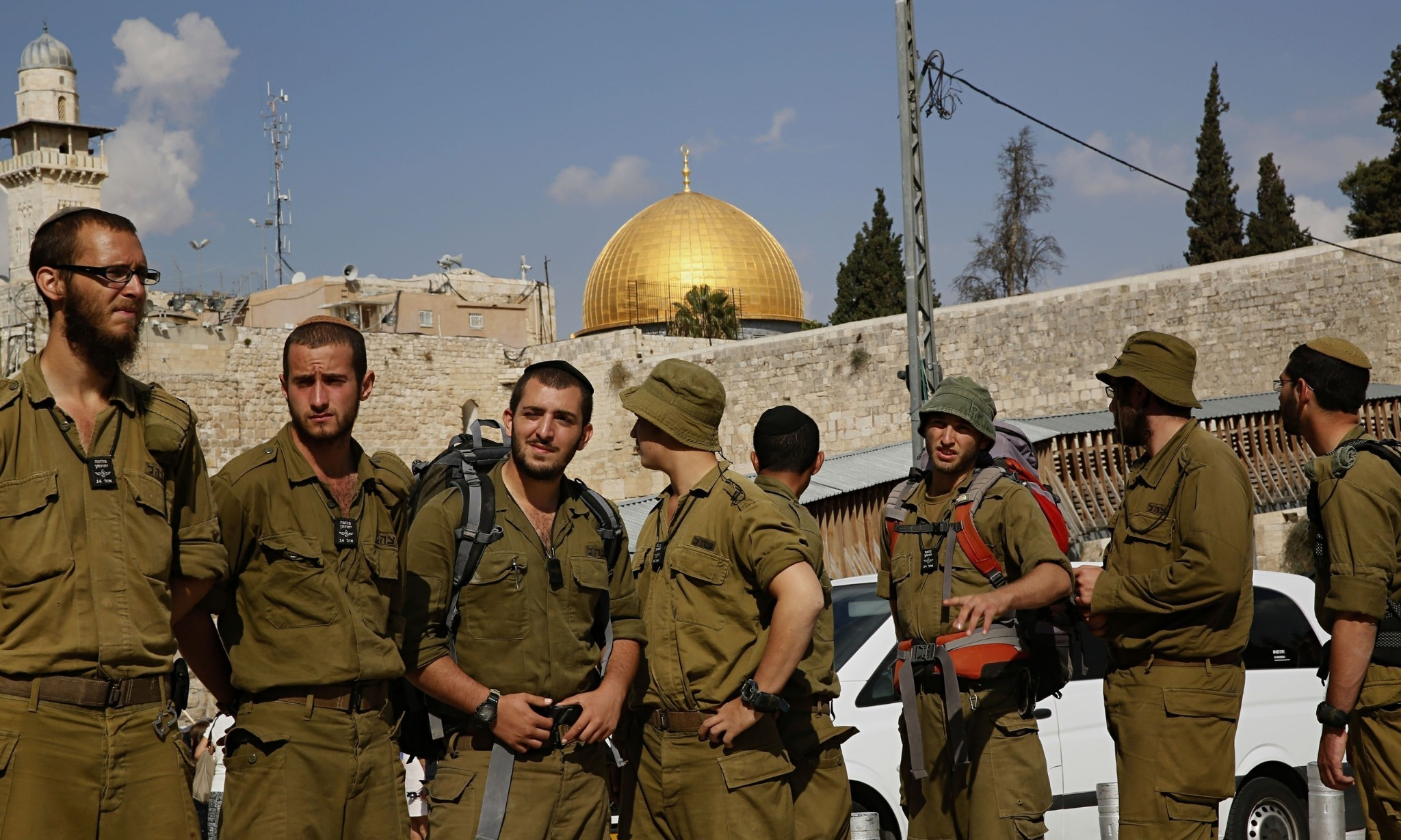 Israel closes Al-Aqsa mosque compound to all visitors