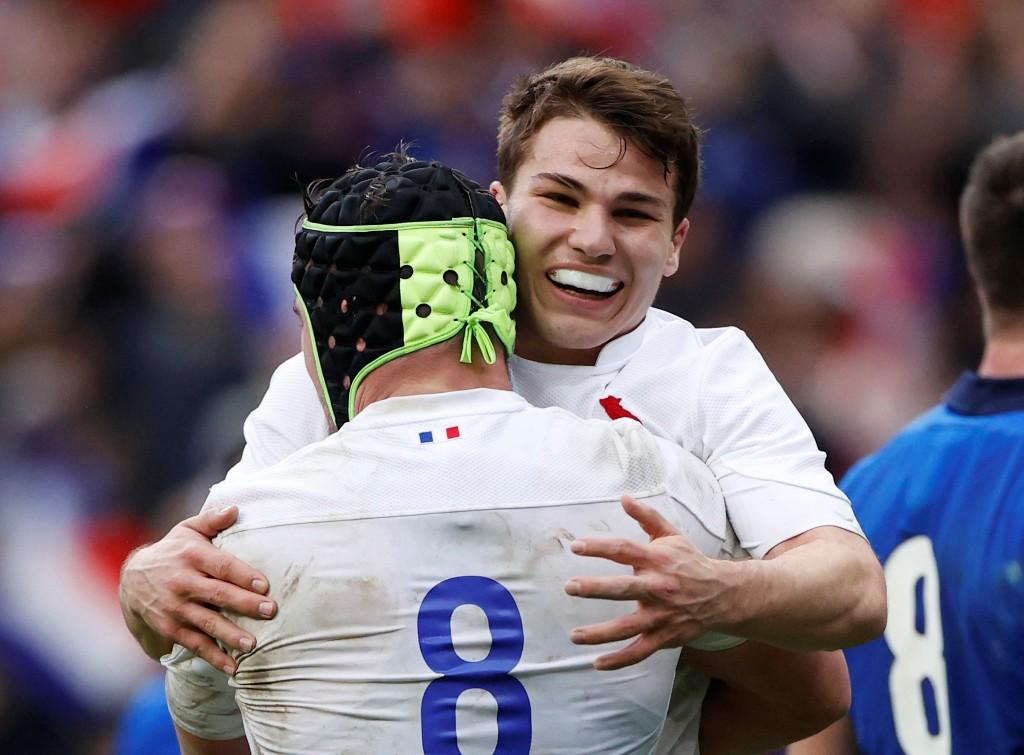 Rugby : le XV de France s'offre le pays de Galles