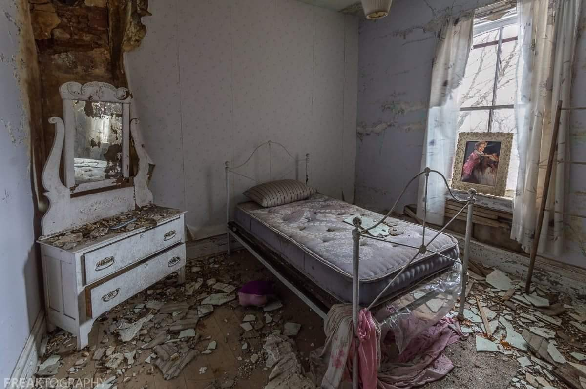 Bedroom in an abandoned house..