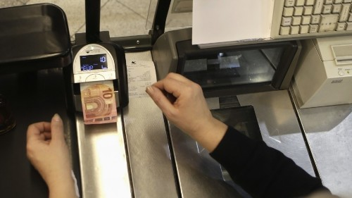 Why we may be headed to a completely cashless society