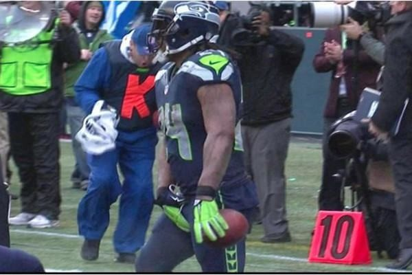 Marshawn Lynch fined $20K for this crotch grab gesture against Green Bay