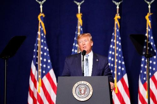 Trump tells evangelical rally he will put prayer in schools
