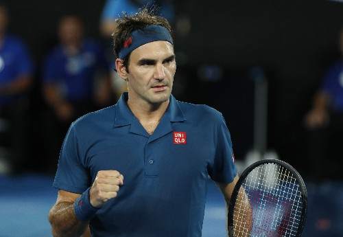 Federer serves up Fritz blitz to reach last 16